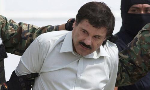 Trùm ma túy Mexico Joaquin El Chapo Guzman (giữa). Ảnh: AP.