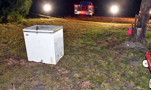 Chiếc tủ đông mà ba đứa trẻ bị mắc kẹt bên trong. Ảnh: Suwannee County Sheriffs Office.