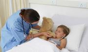 Đôi vợ chồng Mỹ hầu tòa vì không điều trị bệnh ung thư cho con