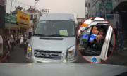 Xe đưa rước học sinh chạy ngược chiều bị chặn đầu
