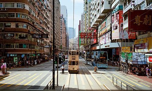 Đường phố Hong Kong. Ảnh: CNN.