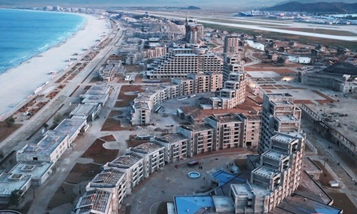 Khu nghỉ dưỡng Wonsan-Kalma trong quá trình xây dựng hồitháng 11/2018. Ảnh: KCNA.