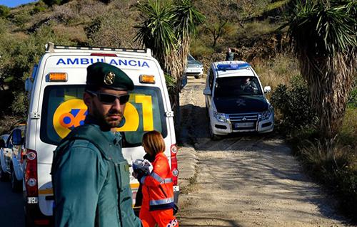 Lực lượng cứu hộtại hiện trường nơi Julen gặp nạn. Ảnh: AP