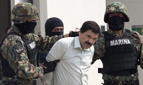 Cuộc chạy trốn trong tình trạng khỏa thân của trùm ma túy Mexico