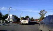 Hàng rào ngầm chống tài xế vượt ẩu qua đường tàu