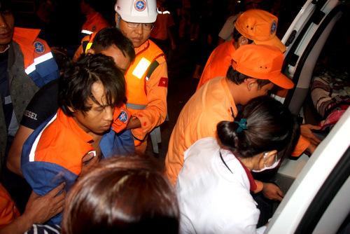 Một ngư dân gặp nạn sức khỏe dần phục hồi. Ảnh: Nguyễn Khoa.