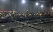 Công nhân Trung Quốc thay đường ray thần tốc trong 6 tiếng