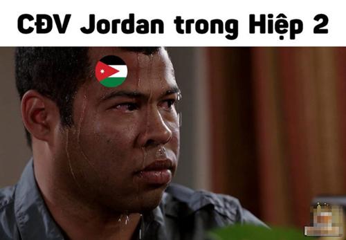CĐV Jordan đã có một hiệp 2 sống trong sợ hãi.