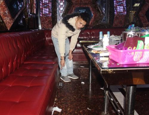Cảnh sát đột kích 'bữa tiệc' sinh nhật bằng ma túy
