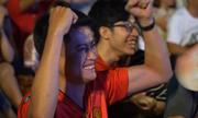 Những giây phút nghẹt thở của CĐV trong loạt sút luân lưu Việt Nam - Jordan