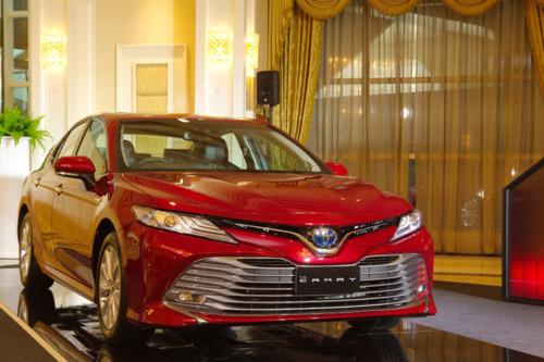 Toyota Camry phiên bản mới tại thị trường Thái Lan. Ảnh: Carlist.