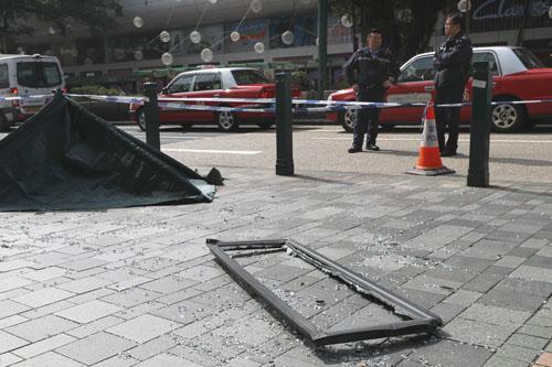 Hiện trường tai nạn khiến cô gái Trung Quốc thiệt mạng ở Hong Kong sáng nay. Ảnh: SCMP.