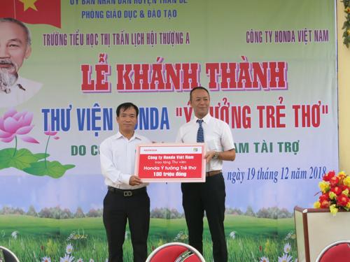 Honda Việt Nam trao tặng thư viện tại Sóc Trăng.