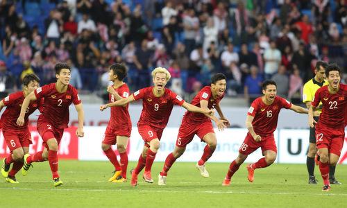 Các cầu thủ Việt Nam ăn mừng chiến thắng trước Jordan. Ảnh: Anh Khoa.