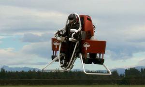 Lính cứu hỏa Dubai sử dụng đồ bay để hỗ trợ chữa cháy