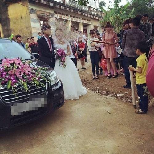 Đừng bao giờ mời người yêu cũ dự đám cưới.