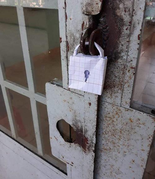 Thế này có khi trộm chẳng dám mò vào.