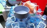 Hơn 100 chai giấm từ axit và nước lã bị phát hiện ở Quảng Ngãi