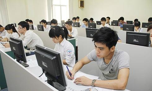 Học sinh thi đánh giá năng lực vào Đại học Quốc gia Hà Nội năm 2016.