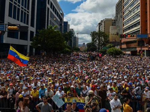 Image result for biểu tình venezuela 2019