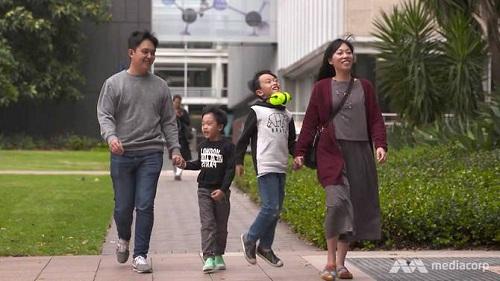 Gia đình Seth cùng sang Australia định cư để giúp con phát triển tiềm năng. Ảnh: Mediacorp