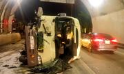 Xe khách lật trong hầm Hải Vân
