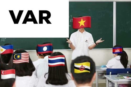 Lớp học VAR của thấy giáo Việt.