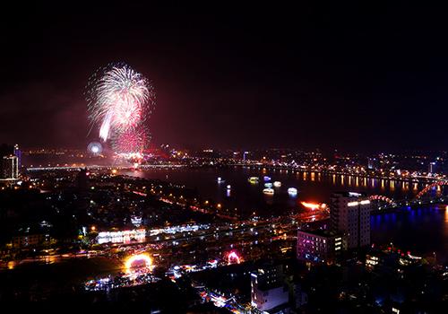 Dịp Tết Nguyên đán, Đà Nẵng sẽ bắn pháo hoa và cầu Rồng sẽ phun lửa, nước. Ảnh: Nguyễn Đông.