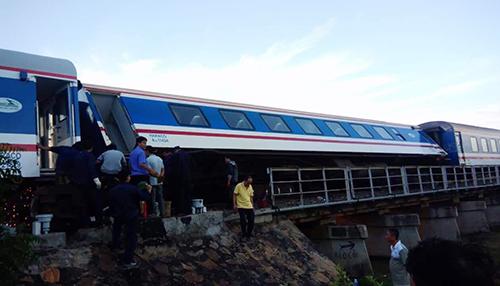 SE1 là một trong những tàu chất lượng cao của đường sắt VIệt Nam.Ảnh:Hữu Nguyên.