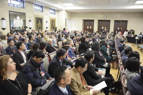 230 đại biểu là các trường đại học, doanh nghiệp, tổ chức giáo dục của Vương quốc Anh và Việt Nam tham dự diễn đàn.