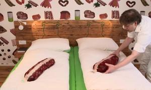 Khách sạn xúc xích tại Đức