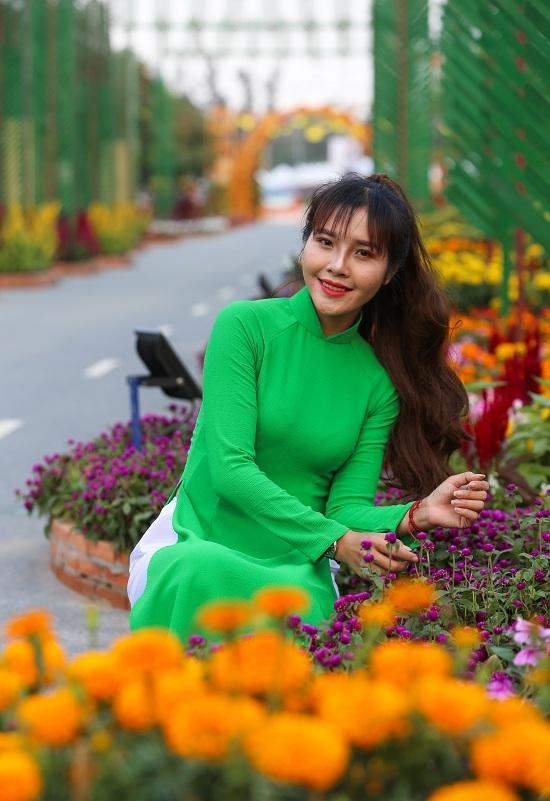 Đường hoa 3,5 tỷ đồng ở ngoại thành Sài Gòn