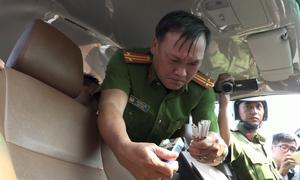 Phát hiện tài xế Sài Gòn lái ôtô 7 chỗ dương tính ma túy