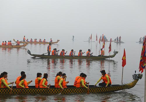 Lễ hội đua thuyền rồng Hà Nội năm 2018. Ảnh: Xuân Hoa.