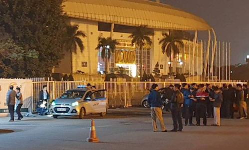 Khu vực xảy ra sự việc ngay cổng sau sân Mỹ Đình ở đường Lê Quang Đạo. Ảnh: Sơn Dương