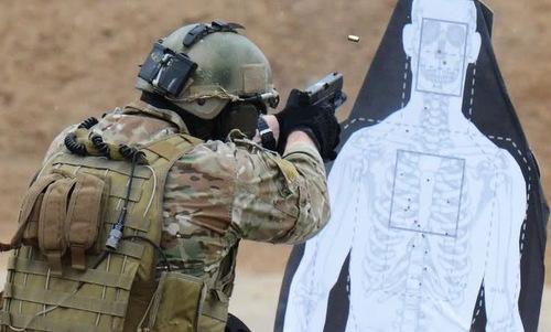 Lính Delta tập bắn với súng Glock 19. Ảnh: US Army.