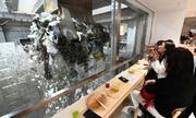 Quán bar kiêm nhà máy xử lý rác thải ở Nhật Bản
