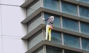 'Người nhện' tay không chinh phục tòa nhà 47 tầng ở Philippines