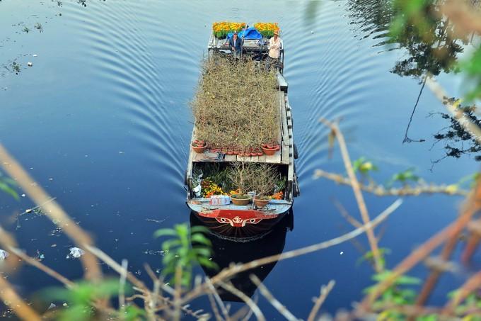 Западные цветочные кораблики стекаются в Сайгон перед праздником Тэт (ФОТО)