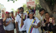 Người ủng hộ Maduro thề chiến đấu đến hơi thở cuối