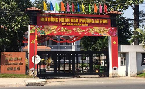 Trụ sở UBND phường An Phú, nơi người tự nhận là cướp để lại túi xách nhờ tìm người trả. Ảnh: Nguyệt Triều.
