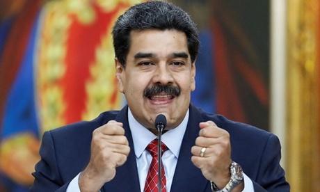 Tổng thống Venezuela Nicolas Maduro trong cuộc họp báo tại Caracas ngày 25/1. Ảnh: Reuters.