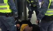 Thai phụ bị kéo thô bạo khỏi tàu gây phẫn nộ ở Thụy Điển