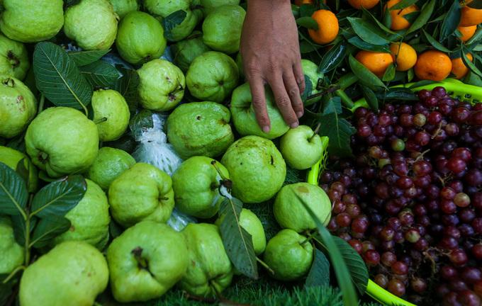 Xe trái cây đầy sắc xuân, có wifi miễn phí ở Sài Gòn