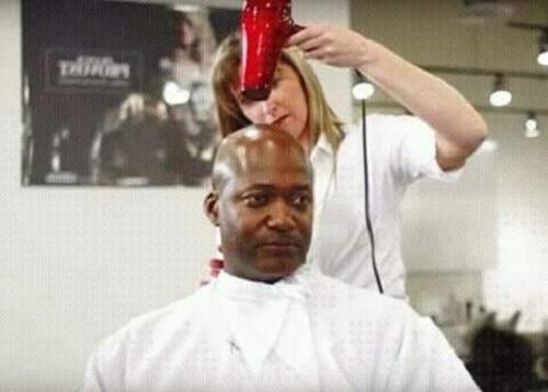 Thợ làm tóc siêu cấp.