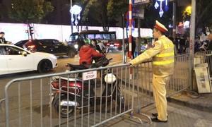 800 cảnh sát chắn rào quanh hồ Gươm phục vụ đêm giao thừa