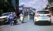 Đàn ông tát phụ nữ sau va chạm giao thông