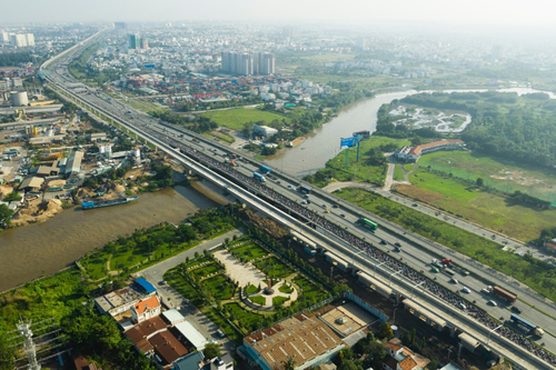 Metro Line 1 started in August 2012 with a length of about 20 km. Photo: Huu Khoa.