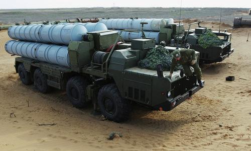 Xe phóng đạn thuộc tổ hợp S-300PS Nga. Ảnh: Spunik.