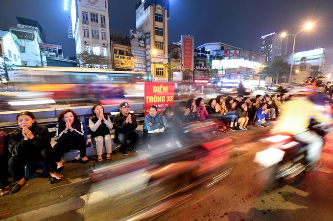 Hàng nghìn người dâng sao giải hạn ở chùa Phúc Khánh